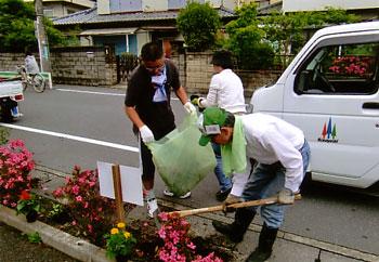 花の植栽・町内一斉清掃