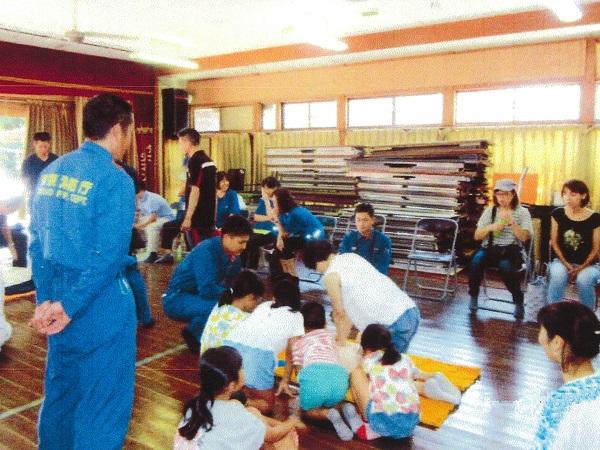 自主防災組織による応急救護訓練